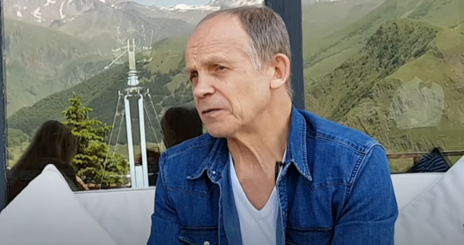 Професср Огулов А.Т.