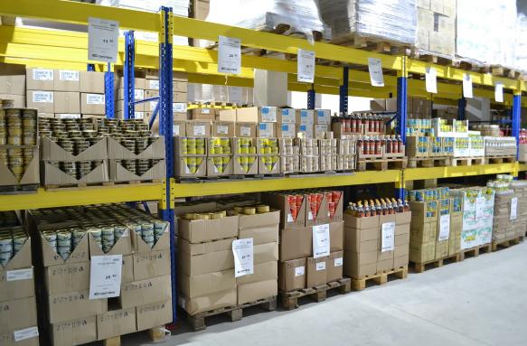 В Светофоре вся продукция в зале, нет склада