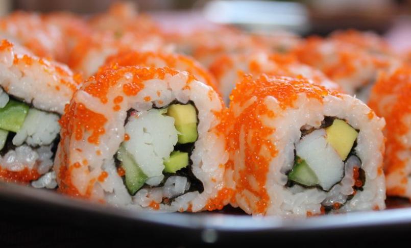Соус очень подойдет к морепродуктам и суши