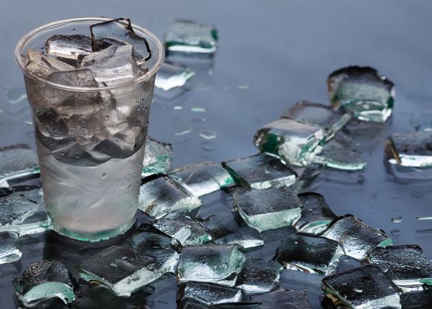 Кубики льда хороши для протирания лица