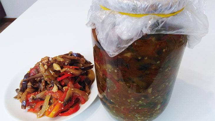 Гаджиномуль, острая закуска из баклажан